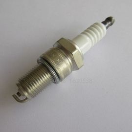 China DENSO W20EX-U Toyota Spark Plugs Removable Cap 90999-09007 White distributor